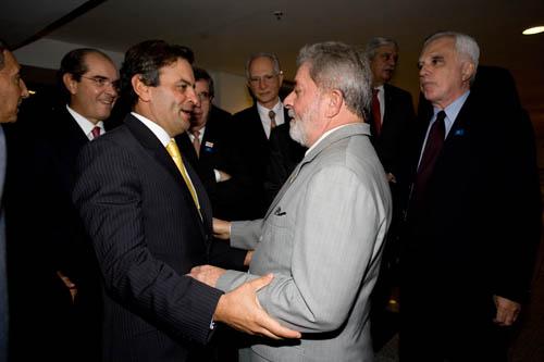 Lula livre; Aécio livre; Moro suspeito. A Covid passará. O 'sistema', jamais