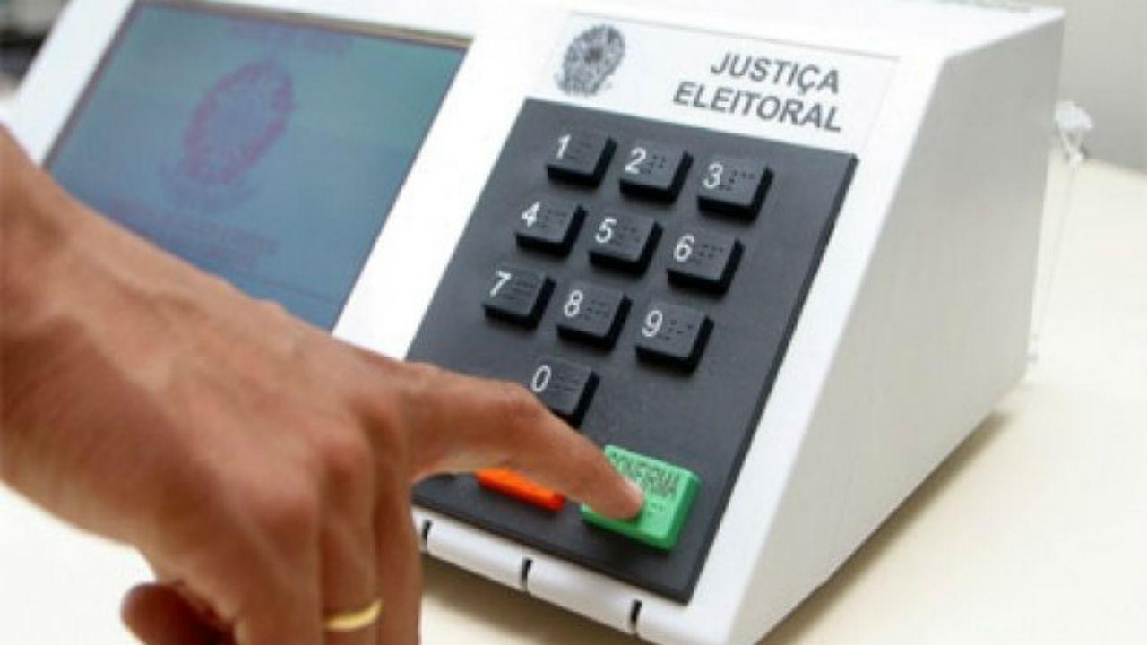 Em nota oficial, TSE faz picadinho das mentiras e besteiras de Jair Bolsonaro