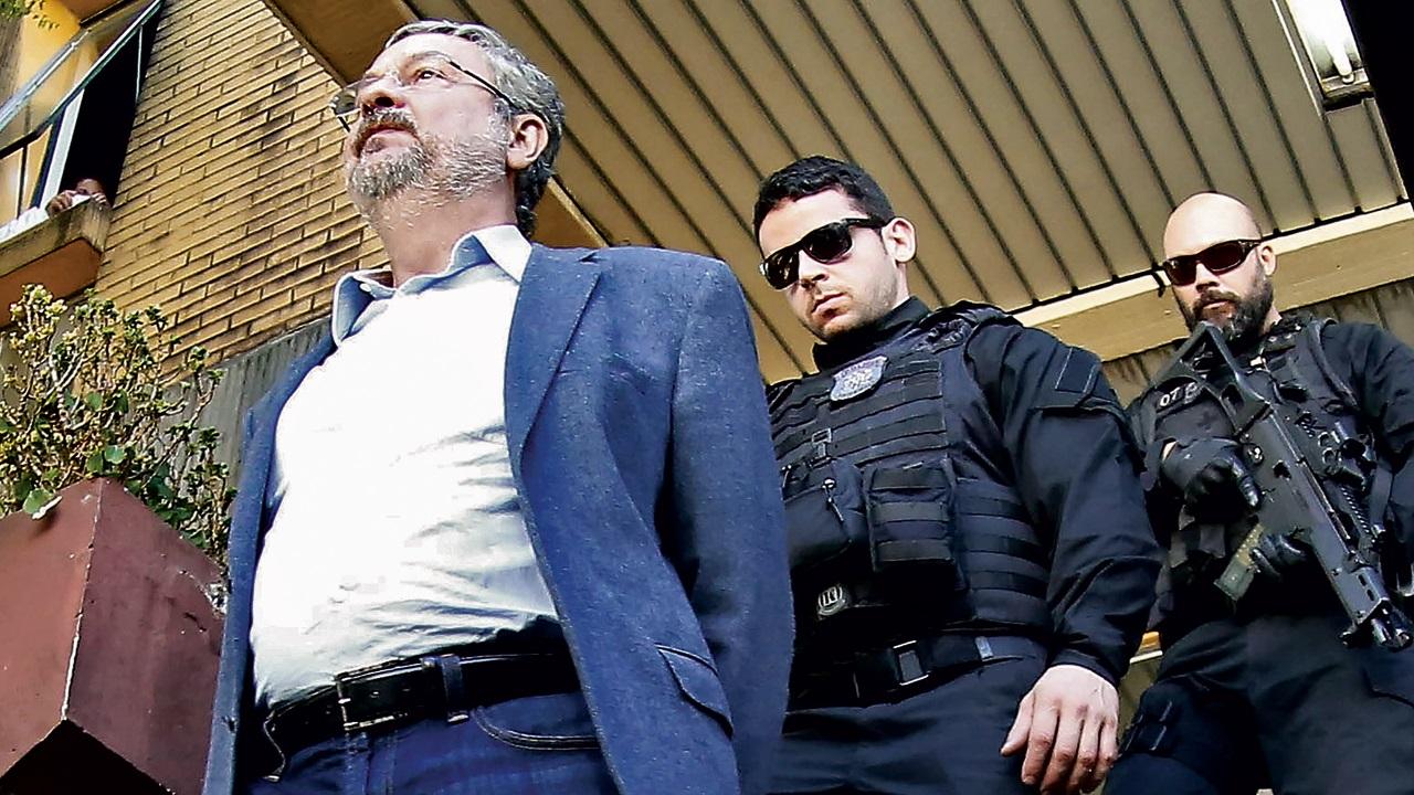 Palocci, de médico modesto a milionário preso