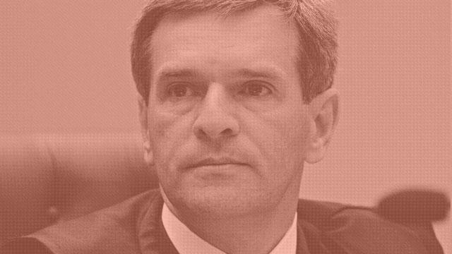 RECEBEU EM UM MÊS R$ 642 MIL - Marco Aurélio Bellizze - O ministro do STJ Marco Aurélio Bellizze Oliveira tem salário base de R$ 32.958, mas em setembro de 2011, quando era desembargador do TJ do Rio, recebeu um total de R$ 642.962.