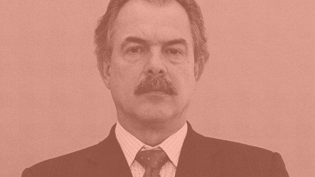 APOSENTADORIA DE R$ 15 MIL - Aloizio Mercadante - O ex-ministro e ex-senador Aloizio Mercadante se aposentou no Senado com salário de R$ 15.400, bem acima do teto do cidadão comum, que é de R$ 5 mil.
