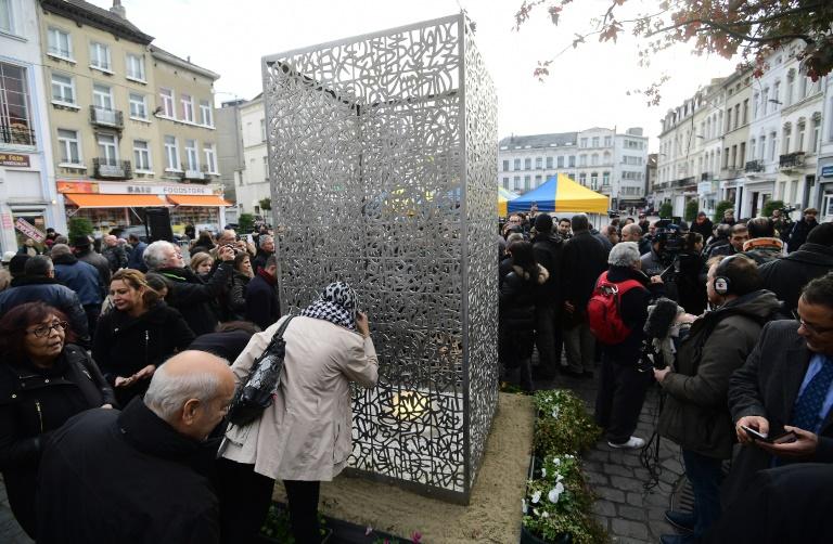 Molenbeek luta para limpar sua imagem um ano após os atentados de Paris