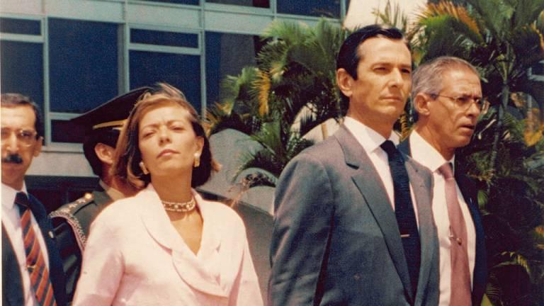 1992 - Collor, o primeiro impeachment: afogado em um mar de corrupção e com os caras-pintadas nas ruas, Fernando Collor renunciou antes de ser cassado pelo Congresso