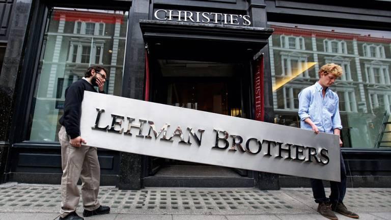 2008 - Crise financeira de 2008, a quebra do século: falência do Lehman Brothers foi o estopim da maior crise econômica mundial desde a recessão de 1929