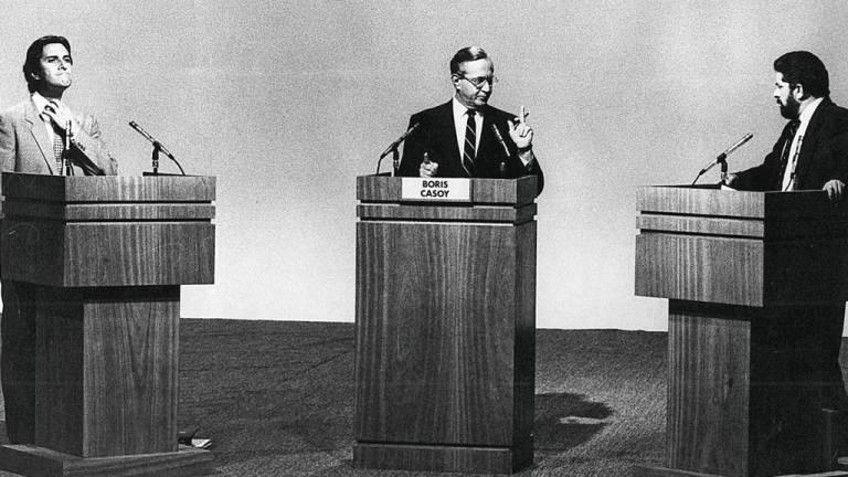 1989 - A frustração com Collor: primeiro presidente eleito após o fim do regime militar, Fernando Collor de Mello traiu seus eleitores ao confiscar a poupança e gerar crise gigantesca
