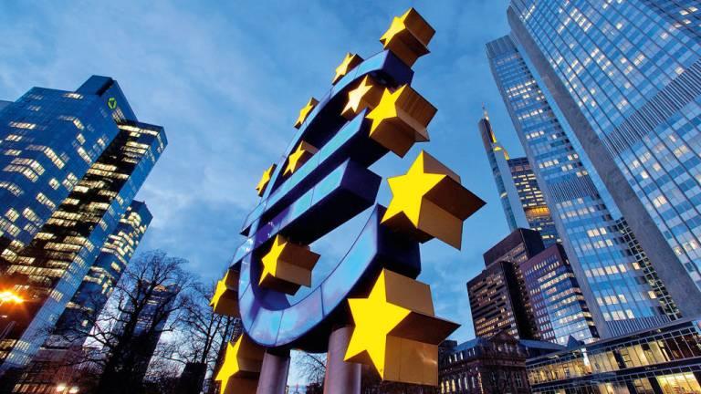 1992 - A revolução do Euro: em continente marcado por cicatrizes de guerras, UE trouxe riqueza e liberdade aos países da região