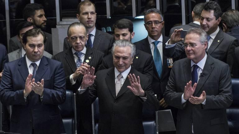 2016 - Michel Temer presidente: peemedebista chega ao poder com o desafio de recolocar o País nos trilhos