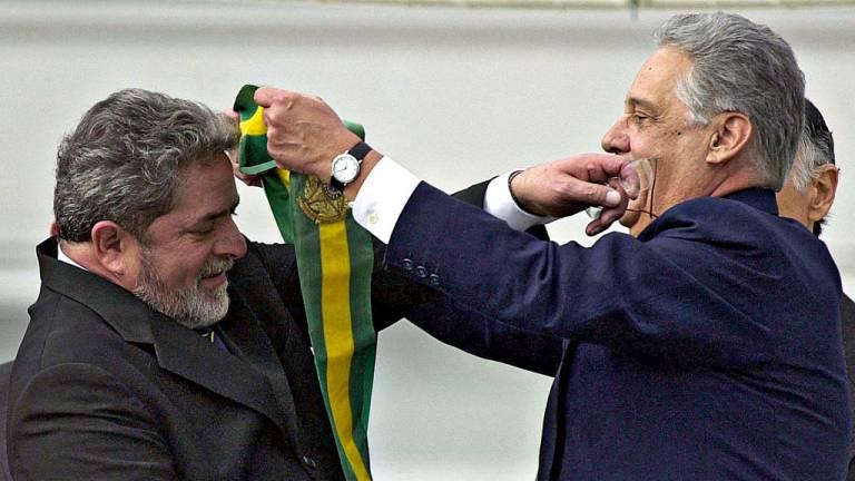 2003 - Lula, o metalúrgico chega à Presidência: inclusão social e ascensão da classe média marcaram o governo Lula, que acabou manchado pela corrupção