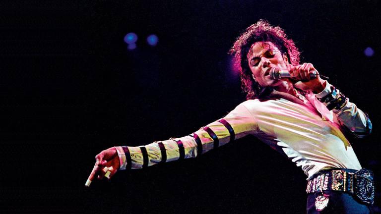 2009 - Adeus a Michael Jackson: morte do rei do pop chocou o mundo e pôs em debate o uso excessivo de drogas lícitas