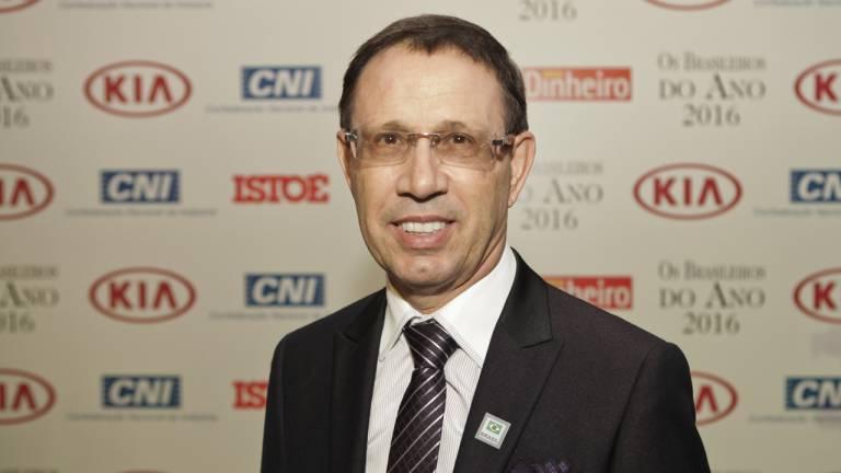 Carlos Wizard, homenageado na revista Istoé Dinheiro no prêmio Brasileiros do Ano.