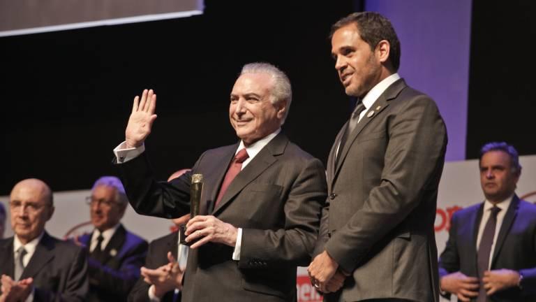 O presidente da República Michel Temer foi um dos destaques, levando o prêmio de Brasileiro do Ano 2016.