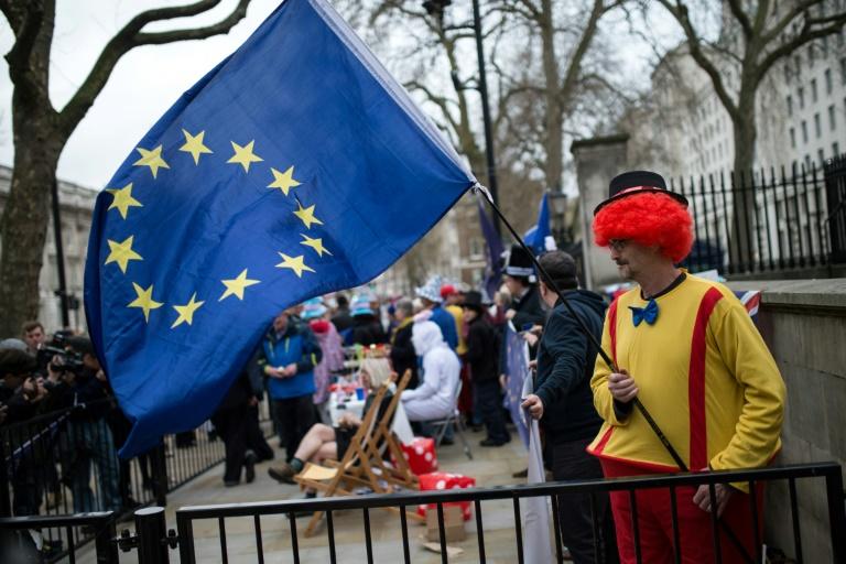 UE e Reino Unido traçam campo de batalha em negociações do ...