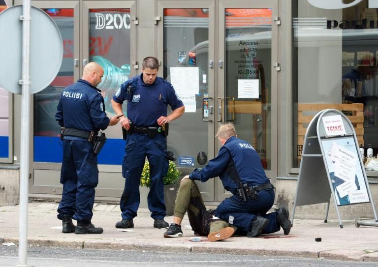 Suspeito de ataque na Finlândia é identificado