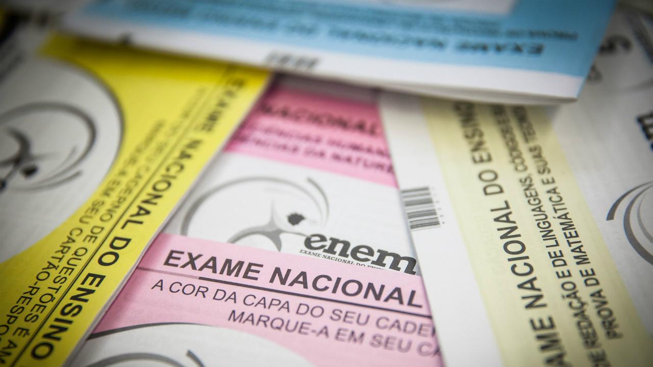 Estudantes pedem novo adiamento do Enem em meio ao avanço da pandemia no Brasil