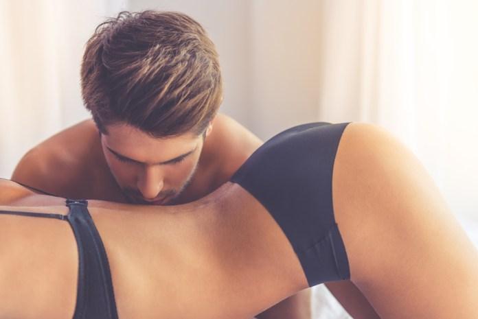 """Sexo anal pode """"alargar"""" o meu orifício?"""
