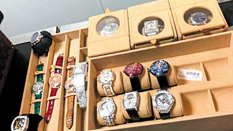 Na hora certa Além de grande quantidade em dinheiro vivo, o vice-presidente de Guiné Equatorial trouxe uma fortuna  em relógios. Um deles, cravejado de diamantes, custa  R$ 16 milhões