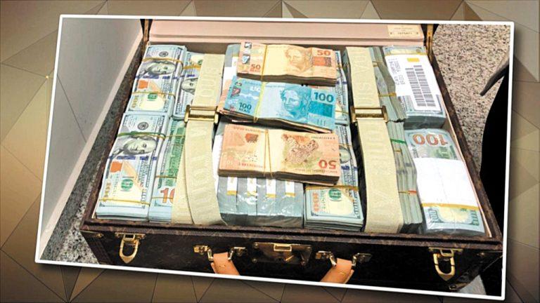 Ajuda do céu  Uma mala com  R$ 72 milhões veio num avião do governo de Guiné Equatorial possivelmente para ajudar campanhas eleitorais no Brasil
