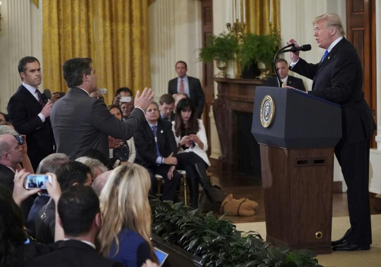 Casa Branca suspende credencial de jornalista da CNN que discutiu com Trump