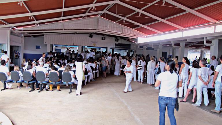 A Casa Dom Inácio de Loyola está sempre cheia. Recebe cerca de 3 mil pessoas por semana e reúne gente de todo o Brasil e de outros países