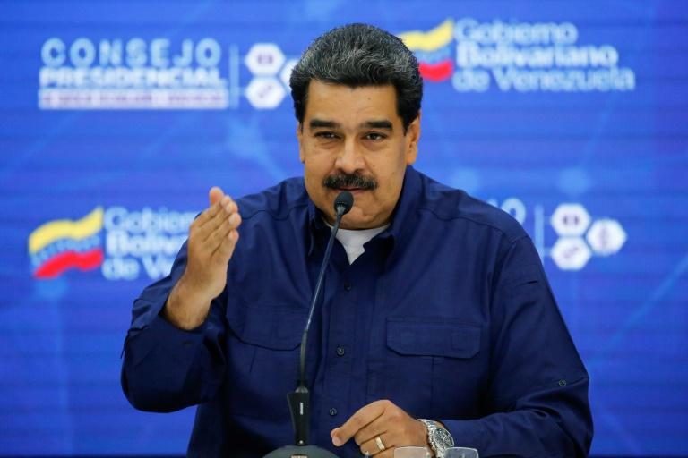 Médium ameaça Maduro com tempestades