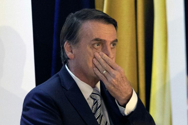 """Após vídeo polêmico, Bolsonaro pergunta no Twitter: """"O que é golden shower?"""""""