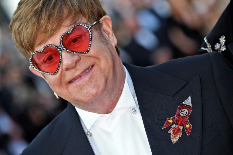 Ex-mulher de Elton John entra com ação judicial contra o cantor
