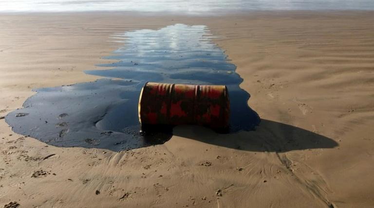Óleo achado em praias tem origem na Venezuela, diz laudo da Universidade da Bahia