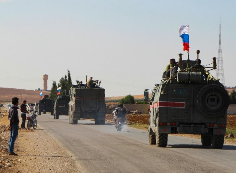 Rússia começa a patrulhar fronteira sírio-turca; curdos agradecem ação de Moscou