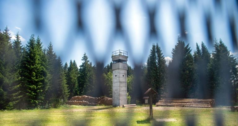 A antiga Cortina de Ferro da Alemanha está coberta de verde