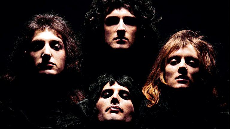 Mick Rock O 'homem que fotografou os anos 1970' tem mais de 100 capas no currículo, entre elas, esta do Queen