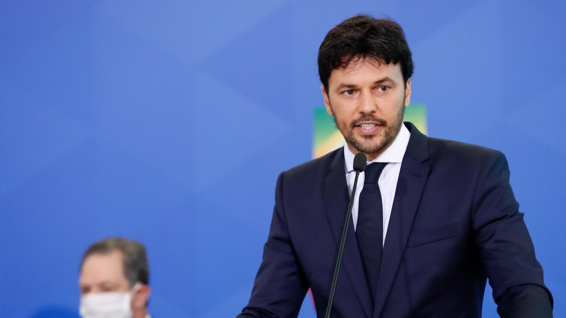 Previsão para leilão 5G é entre abril e maio de 2021, diz ministro Fábio  Faria - ISTOÉ Independente