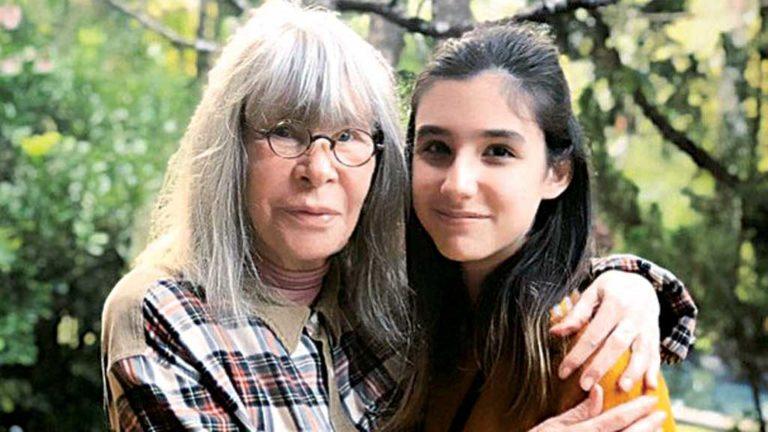 Avó - Rita Junto à neta Izabela:  bons papos e aprendizado