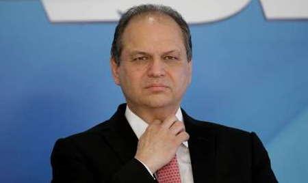'Ele não vai mudar', diz Barros após Bolsonaro falar em dar 'porrada' em repórter