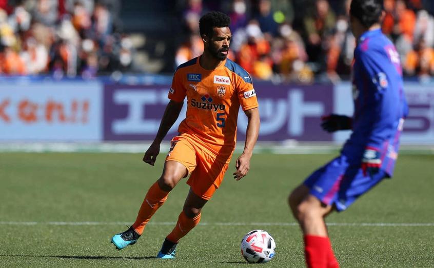 Valdo espera evolução na J-League e foca em melhorar números no Japão