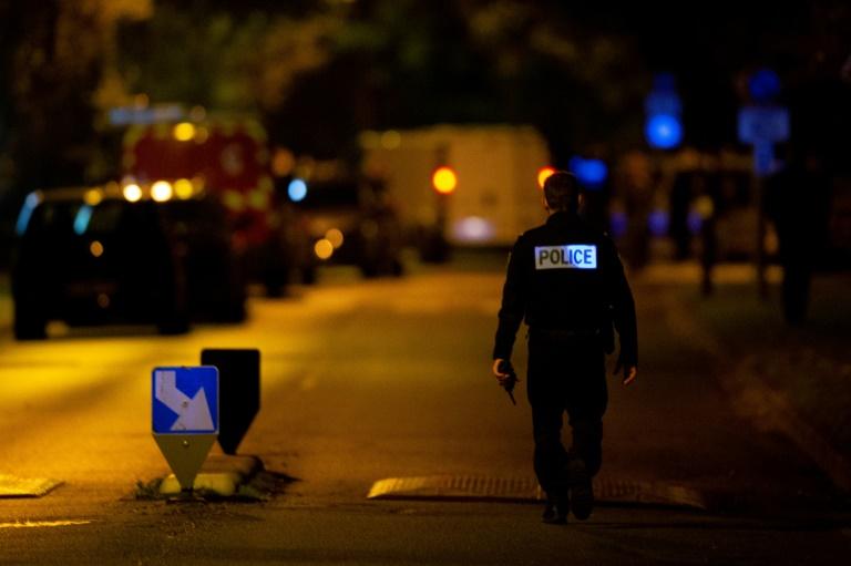 Polícia da França prende 9 suspeitos por morte de professor que mostrou caricatura de Maomé