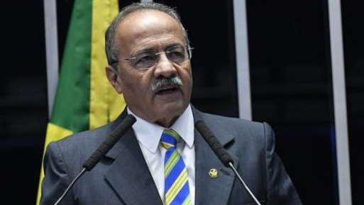 Flagrado com dinheiro na cueca, Chico Rodrigues reassume mandato no Senado