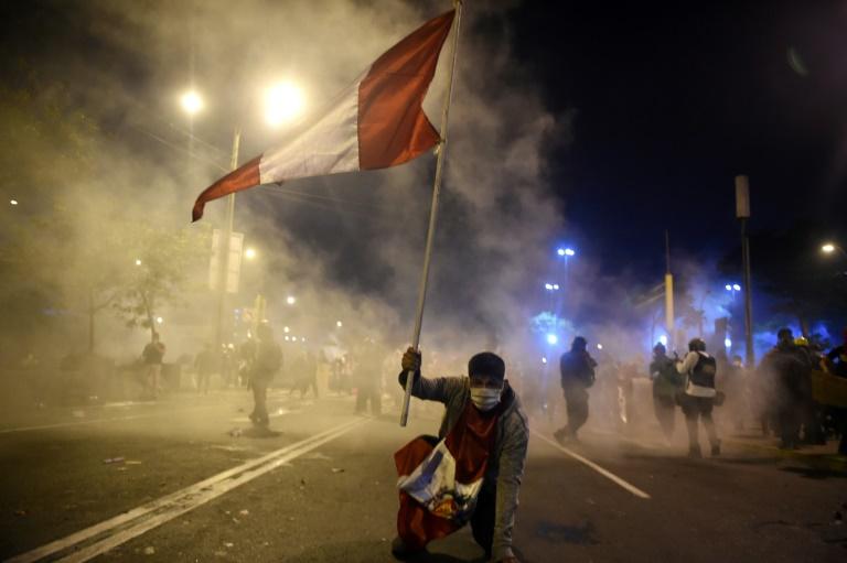 Peru promete investigar morte de dois jovens em manifestações