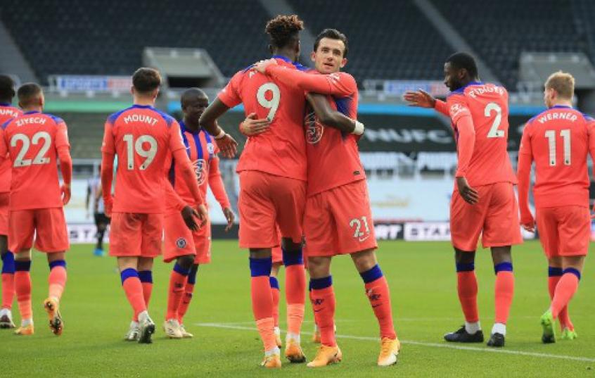 Sem problemas, Chelsea vence o Newcastle e assume liderança temporária da Premier League