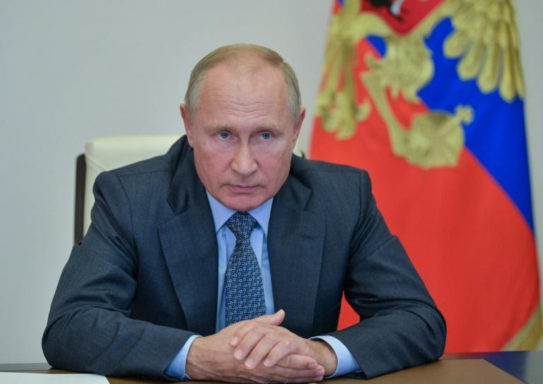 Bolsonaro divulga elogios de Putin a suas 'qualidades masculinas' e 'coragem'