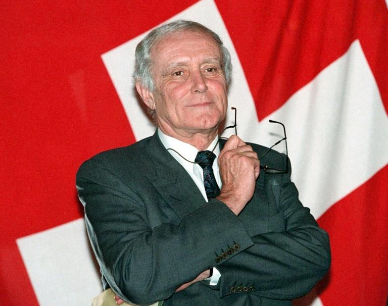 Morre de covid-19 o ex-presidente suíço Flavio Cotti, aos 81 anos