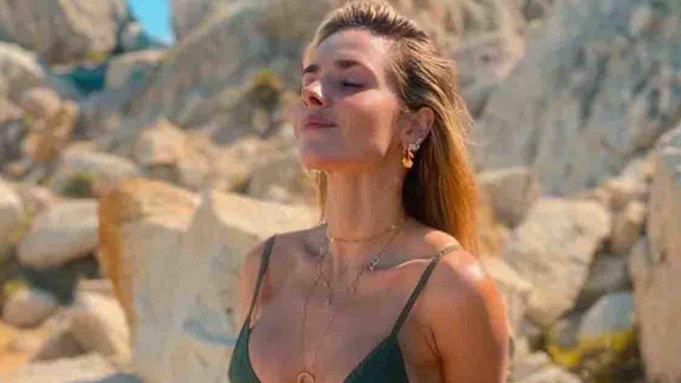 Monique Alfradique curte o sol em Trancoso.