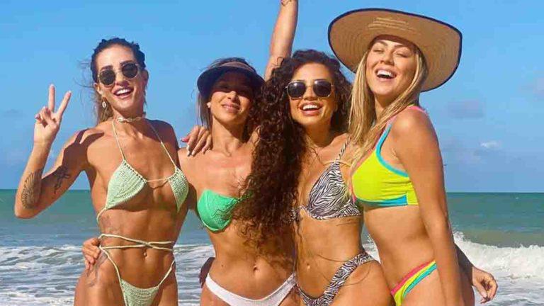 Paula Amorim, Aline Gotschalg, Isabella Cecchi e amiga em Pipa.