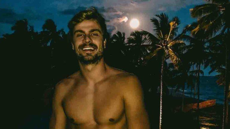 O ex-namorado de Antonia, Paulo Dalagnoli, também está em Milagres com a família da ex.