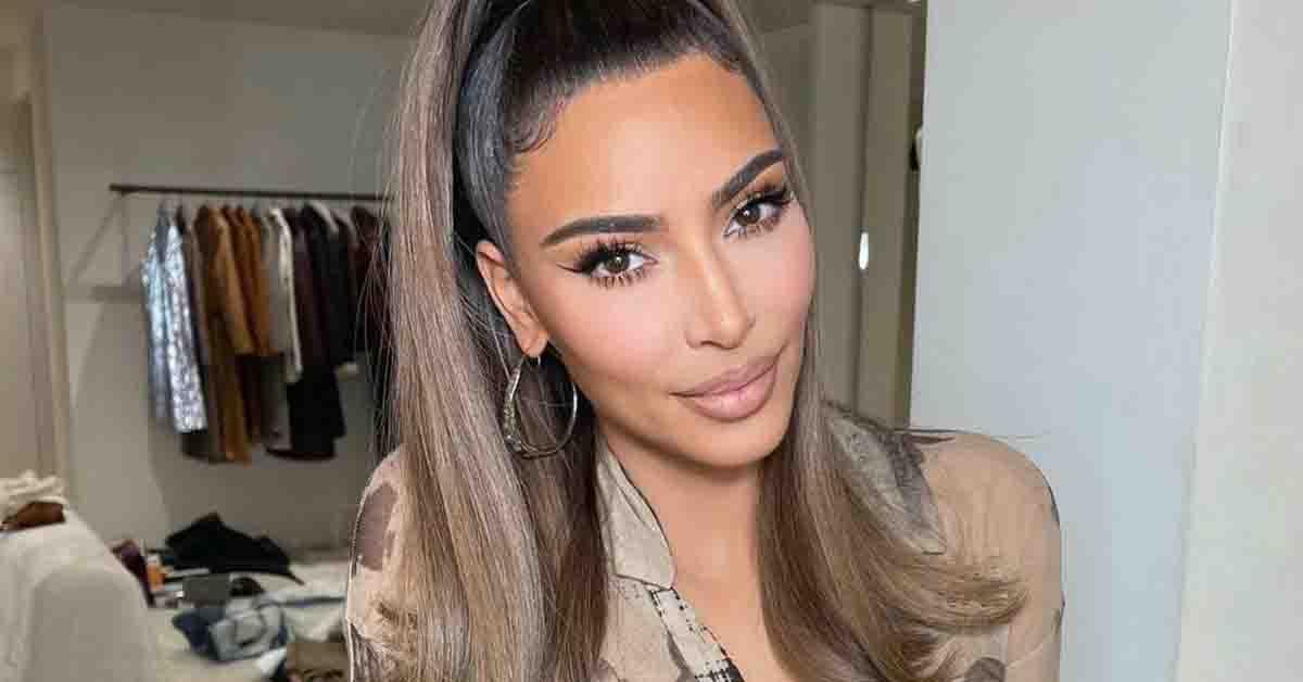 Após separação, Kim Kardashian é cortejada por bilionários e membros da família real