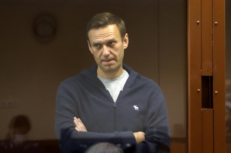 Opositor do governo russo, Navalny alega que foi ameaçado de ir para um calabouço