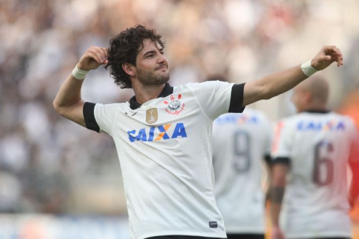 Pato diz se jogaria novamente no Corinthians: 'Não dependeria de mim'