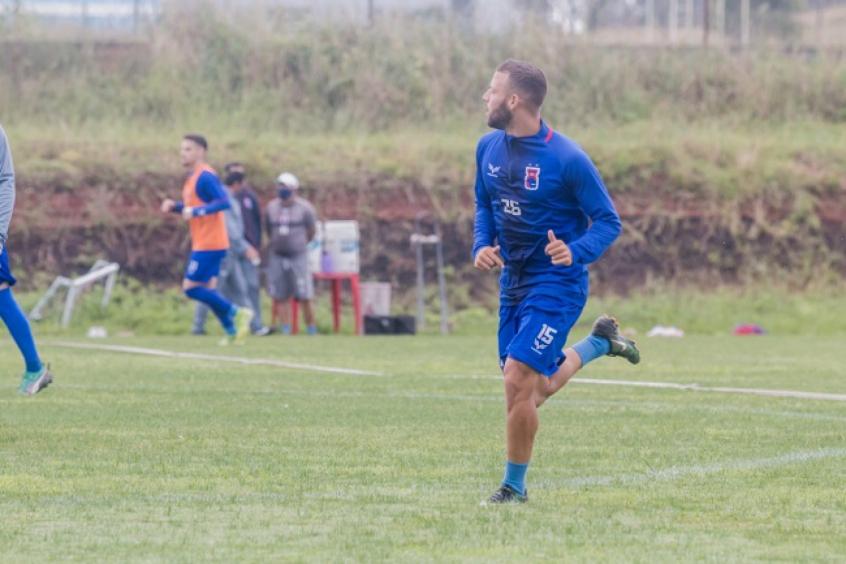 Gabriel Pires fala sobre retorno aos treinos presenciais no Paraná: 'Estávamos com muita saudade'