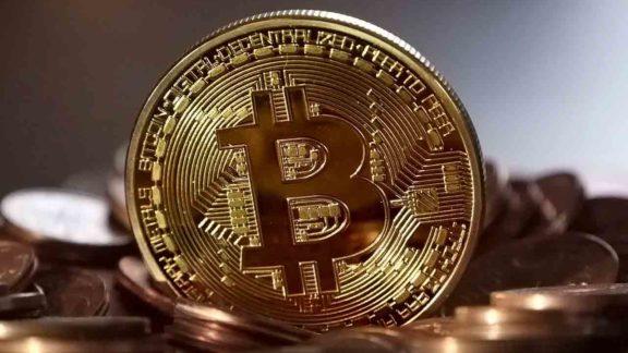 Bitcoin cai 30% em um dia. Será o seu fim?