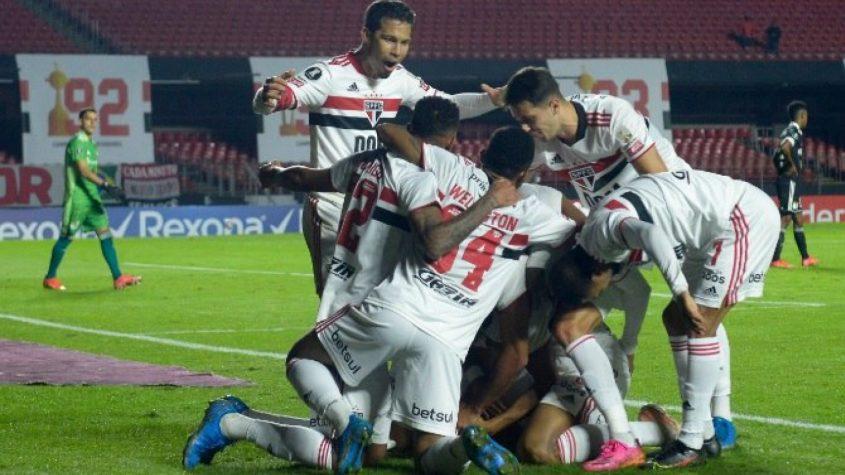 Com reservas, São Paulo goleia Sporting Cristal e passa em segundo no Grupo E