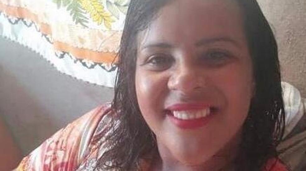 Homem mata esposa por atropelamento proposital na presença dos filhos em MG